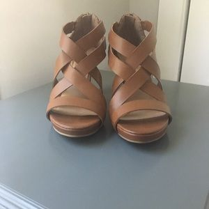 CL by Laundry 3 inch heels size 8